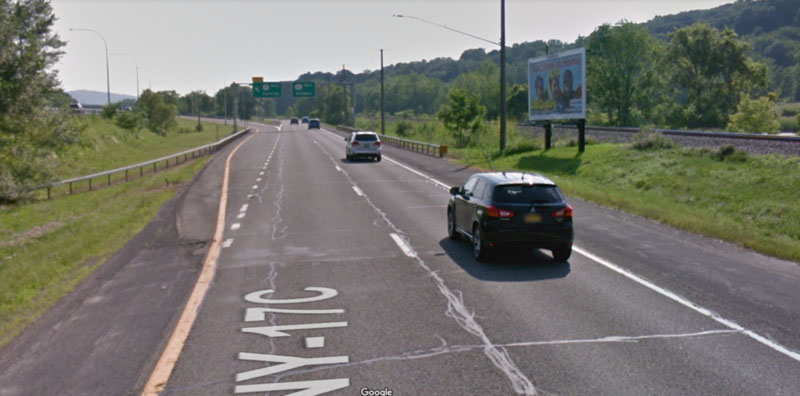 Google Street View of parallel highway to illustrate how people do not see billboards